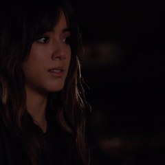 Skye trata de convencer a Jiaying de hablar con Coulson.