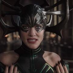 Hela se prepara para luchar con Thor.