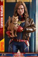 Captain Marvel Hot Toys 4
