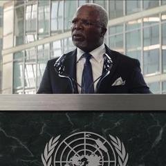 T'Chaka declara en la conferencia de Viena.