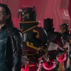 Loki y Brunnhlde se reúnen con el Gran Maestro para capturar a Thor.