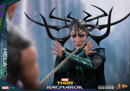 Marvel-thor-ragnarok-hela-sixth-scale-hot-toys-903107-14