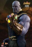 Thanos Hot Toys 18