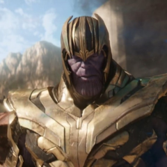 Thanos se cruza con Gamora.