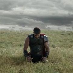 Thor recibe consejos por Odín para vencer a Hela.