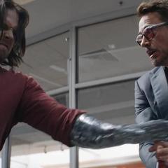 Barnes pelea contra Stark.