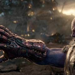 Thanos descubre que Stark le quitó las Gemas del Infinito.