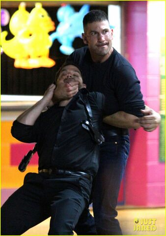 File:Punisher-fights-Thug-BTS1.jpg
