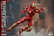 Iron Man Mark IX and Pepper Hot Toys 01