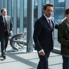 Stark y Parker en el Centro de los Nuevos Vengadores.