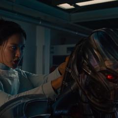 Ultrón es conectado al Arca por Cho para transferirse a un nuevo cuerpo sintético.