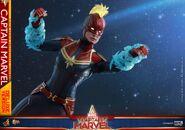 Captain Marvel Hot Toys 8
