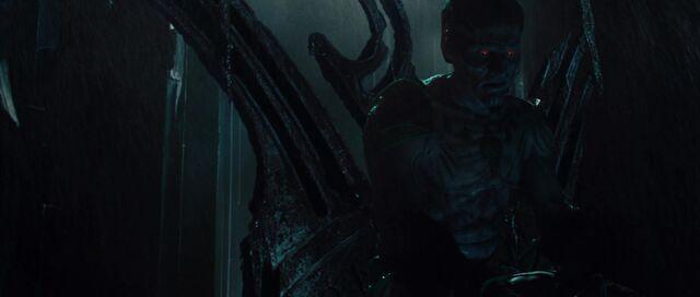 File:Laufey-speaks-to-Thor-Loki.jpg