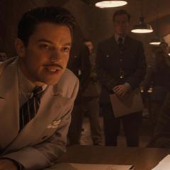 Stark prevee que Schmidt podría arrasar con el país en una hora.