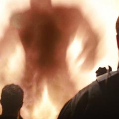 Hulk es confrontado por los soldados.