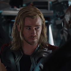Thor es interrogado por Fury.