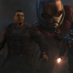 Banner, Rhodes, Rocket y Lang se incorporan a la Batalla de la Tierra.