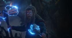 Stormbreaker & Mjolnir (Endgame)