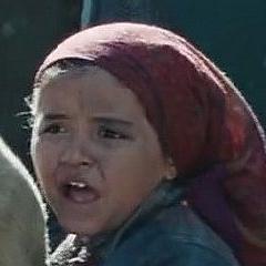 Actriz desconocida como Niña en Gulmira