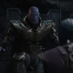 Thanos planea hacer que Nebula se infiltre dentro de los Vengadores.