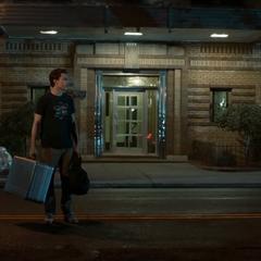 Parker se queda con su traje avanzado.