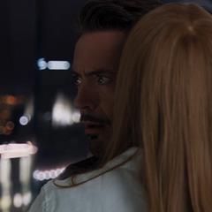 Potts logra convencer a Stark de ayudar a S.H.I.E.L.D.