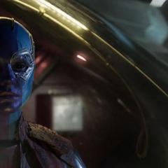 Nebula abandona a los Guardianes abordando una cápsula.