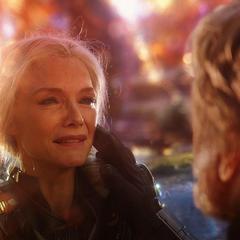 Janet se reencuentra con Pym en el Reino Cuántico.