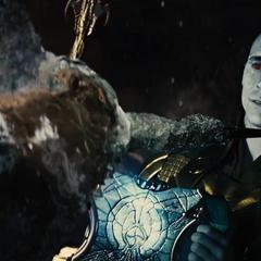 Loki congela a Heimdall por traicionarlo.