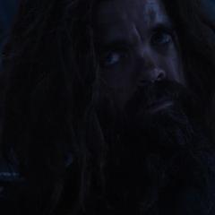 Eitri le cuenta a Thor lo que sucedió en Nidavellir.