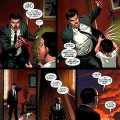 Stark regaña a Anthony por jugar e interrumpirlo en su trabajo.