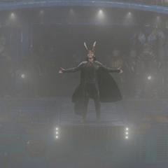 Loki llega a Asgard en la <i>Statesman</i>.
