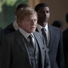 Pierce y su equipo llegan a la Torre Stark.