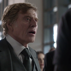 Pierce le exige a Stark entregar a Loki y el Teseracto.