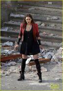 Elizabeth-olsen-aaron-taylor-johnson-avengers-2-set-photos-01
