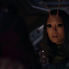 Mantis acompaña a los Guardianes a las coordenadas de la Estadista.