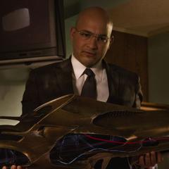 Sitwell recupera un arma Chitauri utilizada para robar bancos.