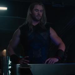 Stark, Thor y Rogers se van con el Cetro de regreso a Nueva York.
