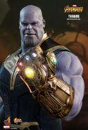 Thanos Hot Toys 16