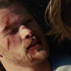 Foster ve a Thor morir frente a ella.