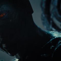 Laufey recibe a Thor y sus aliados en Jotunheim.
