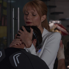 Potts acuna a Stark tras entender qué le sucede.