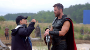 Joe Russo & Chris Hemsworth (Infinity War BTS)