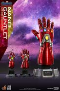 Nano Gauntlet Hot Toys 4