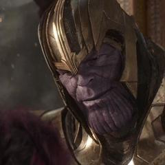 Thanos le enseña su filosofía a Gamora.