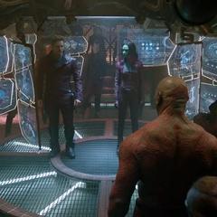 Gamora formula un plan con los Devastadores.