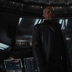 Fury descubre que Stark hackeó a S.H.I.E.L.D.