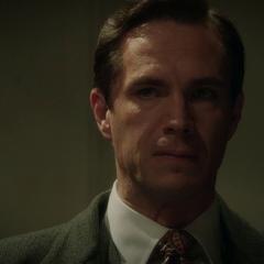 Jarvis es amenazado con la deportación de Ana.