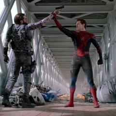 Parker desarma a Beck en el Puente de la Torre.