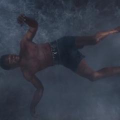 T'Challa es lanzado a la cascada.